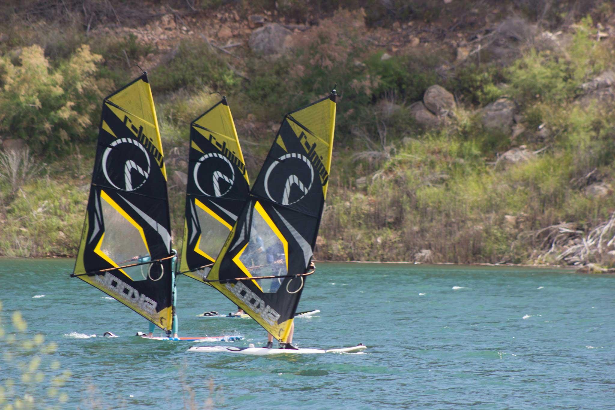 Vela Cu Rig Complet Petnru Windsurf Skool Easy Learning