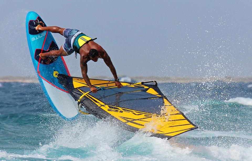 Vela Windsurf Slash Freestyle 2020 Black